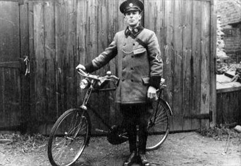 Photograph. Bob Eustace at Nth. Walsham. First day as A.A.Patrolman with Rudge Whitworth Bicycle. (photoRML) (North Walsham Archive).