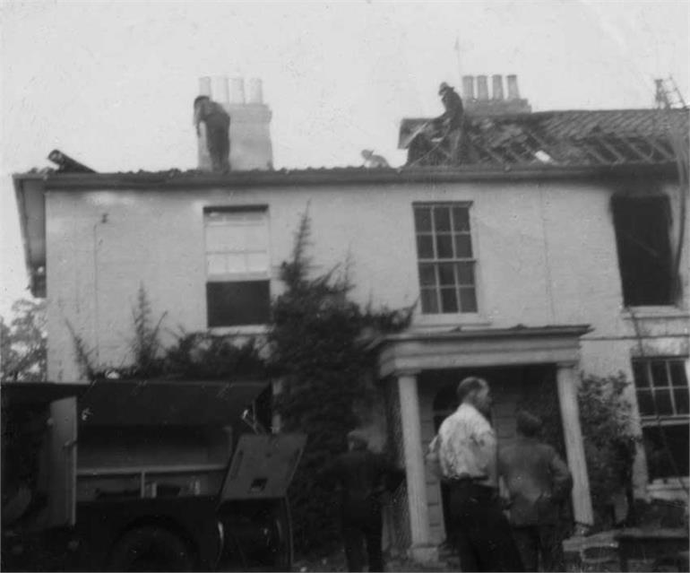 Photograph. Hamlet House Fire (North Walsham Archive).
