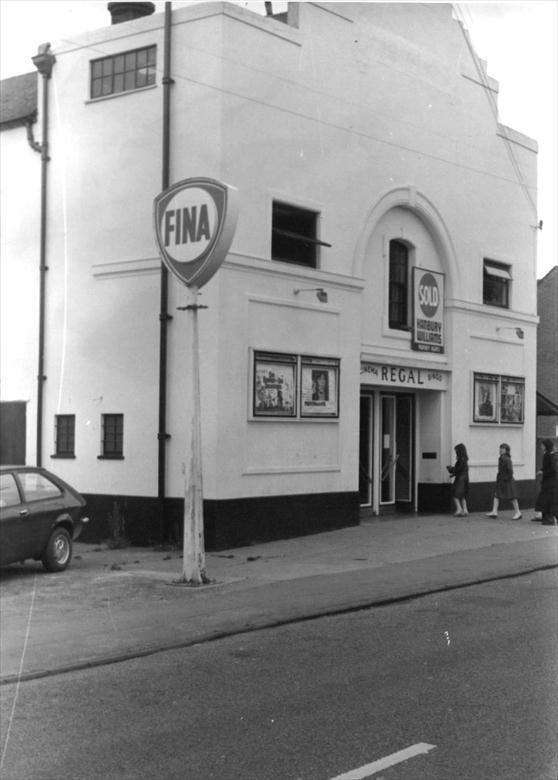 Last days of the Regal Cinema, New Road, North Walsham. 1978