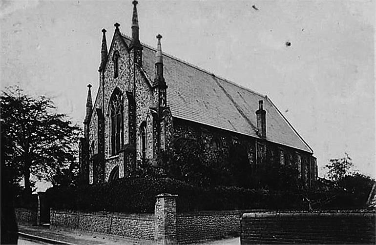 Photograph. North Walsham Congregational Church 1908. (North Walsham Archive).