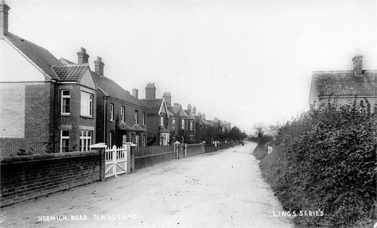 Photograph. Norwich Road around 1900. (North Walsham Archive).