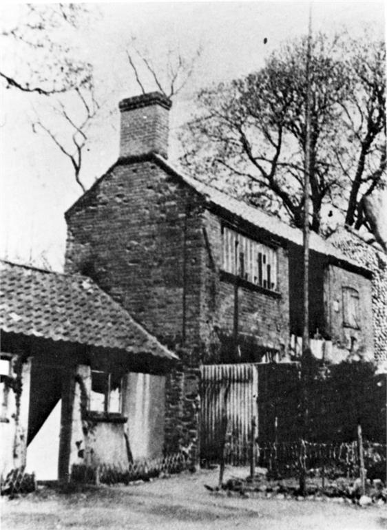 Photograph. Weaver's House in Ship Yard, North Walsham. (North Walsham Archive).